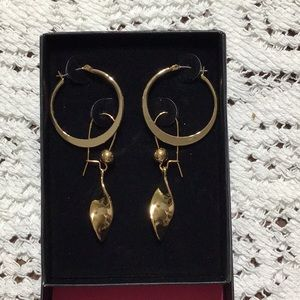 NWOT Piper Twist Earrings Set